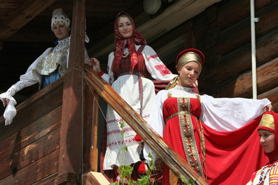 Картинки по запросу Народные традиции в одежде